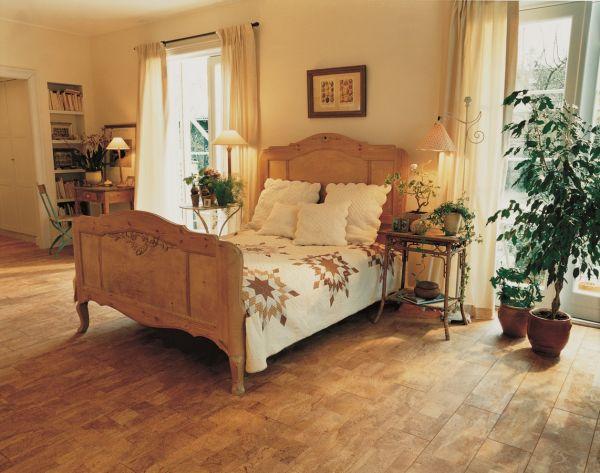 ściany I Podłogi Z Korka Przytulne Mieszkanie Modne