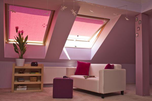 Fioletowa aranżacja – dekoracja okien