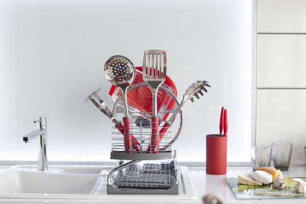 Kolorowe i niezastąpione w kuchni akcesoria ze stali nierdzewnej