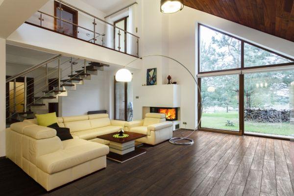 Jak ocieplić wystrój mieszkania? Kolory i materiały we wnętrzach