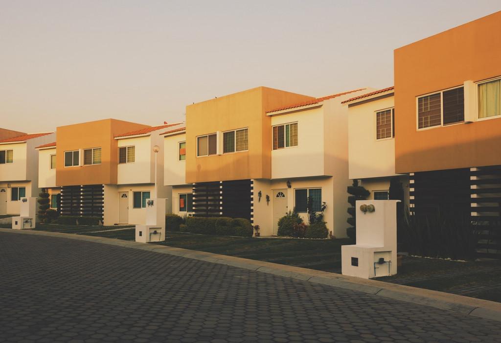 Wybudować dom czy kupić mieszkanie? Poznaj odpowiedź!